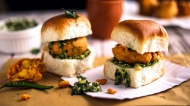 bombay-vada-pav-with-coriander-mint-pesto